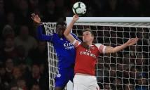 Arsenal thoát quả penalty mười mươi trong trận thắng Leicester
