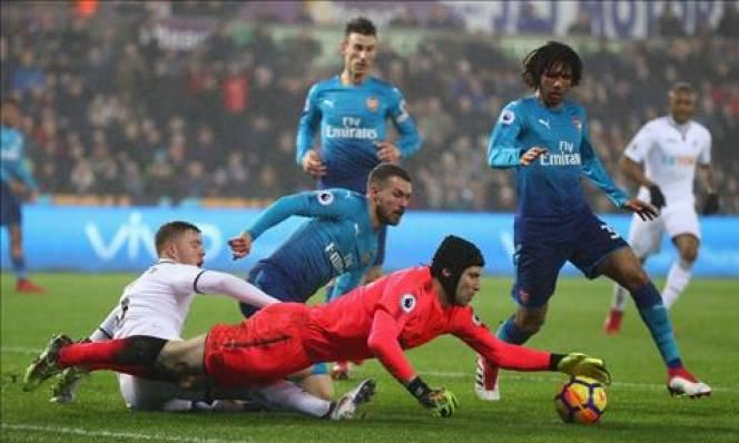 Chuyển nhượng Arsenal: Lộ diện thủ môn 'khủng' thay Petr Cech