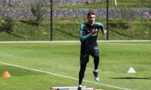 """CR7 miệt mài """"luyện công"""" trước trận quyết đấu Salah"""