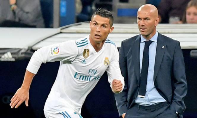 Tụt hạng xa Barcelona, Ronaldo đổ lỗi cho HLV Zidane