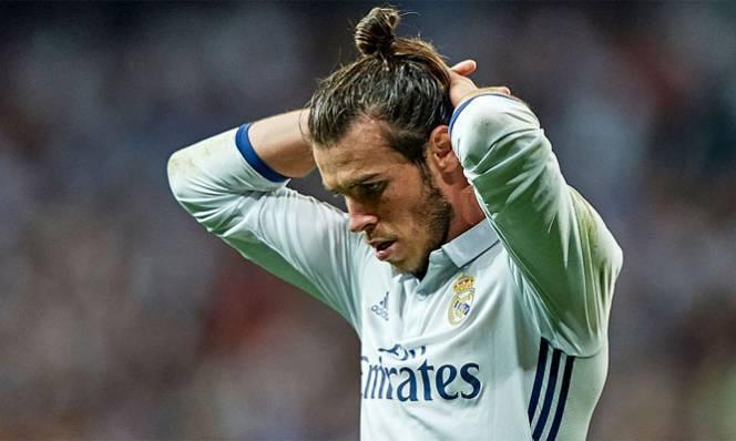 Phong độ sa sút, Gareth Bale bị các đồng đội quay lưng
