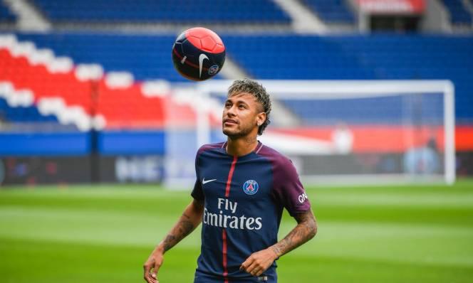 Neymar khẳng định đến PSG không phải vì tiền