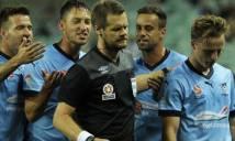 Chân dung trọng tài người Úc thổi penalty Duy Mạnh - hung thần của bóng đá Việt Nam