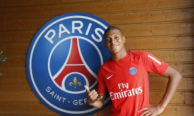 Mbappe chính thức có mặt ở đại bản doanh PSG