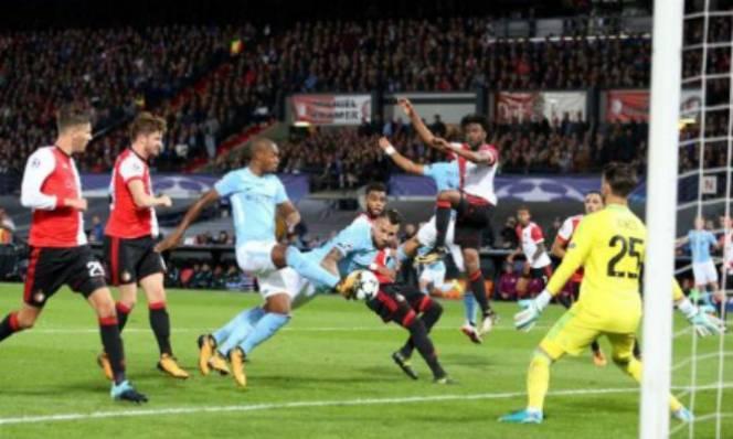 Feyenoord 0-4 Man City: Sấp mặt sau những đòn phủ đầu