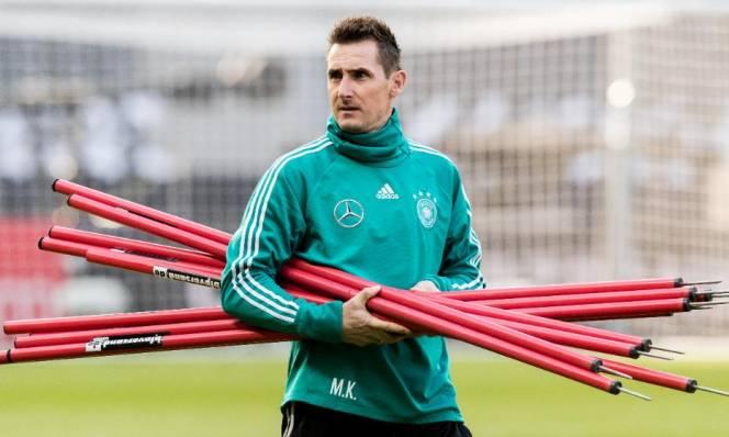 Khởi nghiệp huấn luyện, Klose 'tái hôn' Bayern