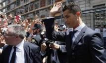 Ronaldo rắc rối trốn thuế: Lo vào tù, xin Real