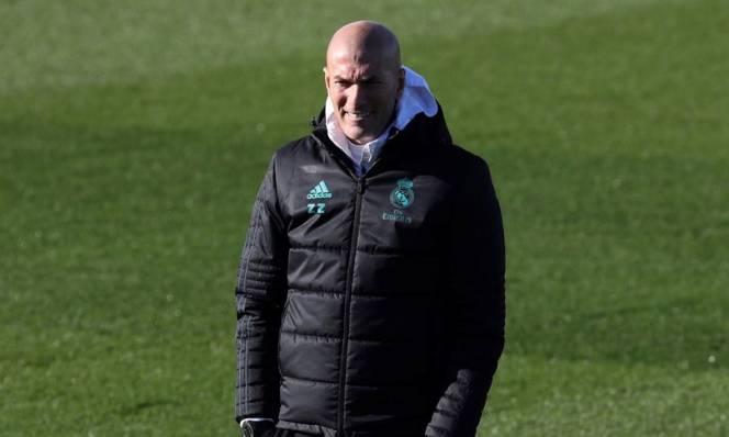 Zidane lên tiếng xác nhận tương lai ở Real, vẫn lo bị đuổi
