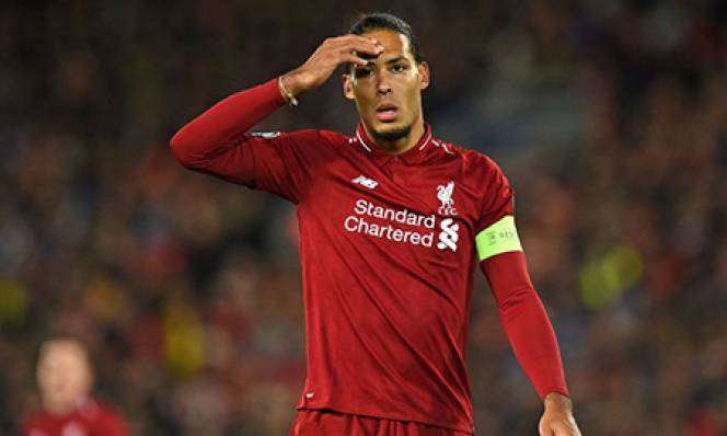 Van Dijk mắc lỗi đầu tiên trong màu áo Liverpool