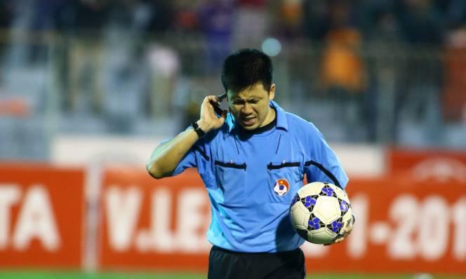 Công tác trọng tài tiếp tục bị lên án sau vòng 16 V League
