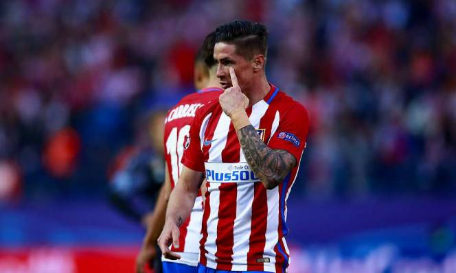 Torres lại gây họa vì lời chúc mừng trên mạng xã hội
