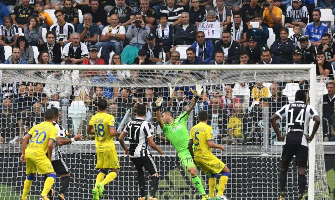 Thắng nhẹ Chievo, Juventus tự tin hành quân đến Camp Nou