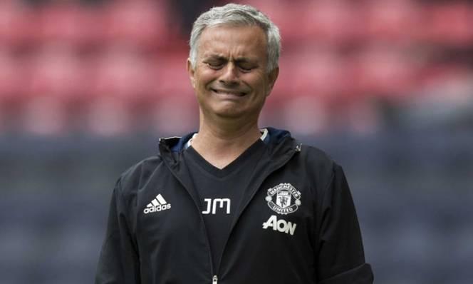 NÓNG: Man Utd lại mất thêm ngôi sao trước thềm trận Chung kết