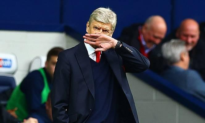 Wenger hết chiêu, Arsenal tệ chưa từng thấy