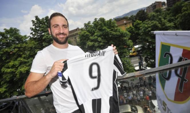 Higuain tiết lộ lý do đầu quân cho Juventus