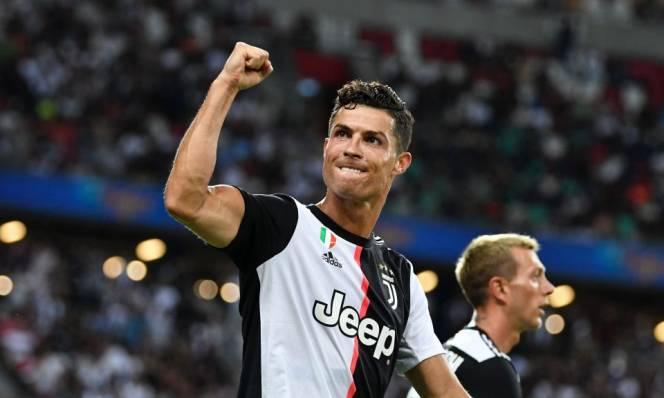 """""""Sống ảo"""" kiếm bộn tiền: Ronaldo vô đối, mỗi lần đăng bài ẵm 22 tỷ đồng"""