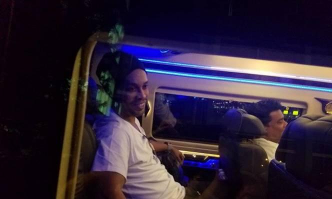 Ronaldinho đã đến Việt Nam