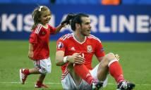 Tuyển thủ Wales không được mang con vào sân ăn mừng