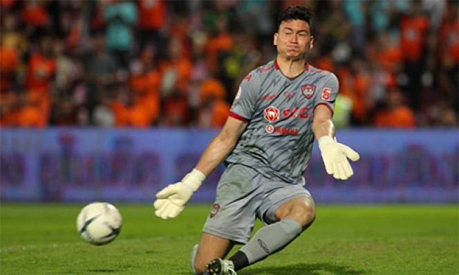 'Messi Lào' phá lưới Văn Lâm, Muangthong thảm bại