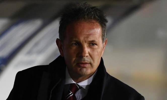 Từ chối lương khủng, Mihajlovic quyết ở lại dẫn dắt Torino