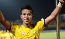Quế Ngọc Hải dành tối tân hôn cổ vũ U23 Việt Nam