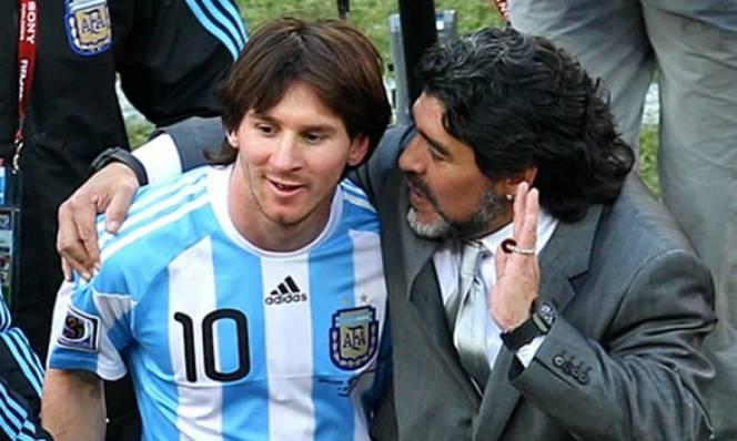 Maradona chỉ trích hậu bối vì đầu hàng Ronaldo quá sớm