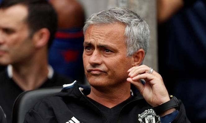 Mourinho quên cả...chữ cái vì học trò