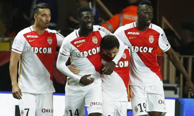 Monaco tái chiếm ngôi đầu Ligue 1, Marseille hụt hơi