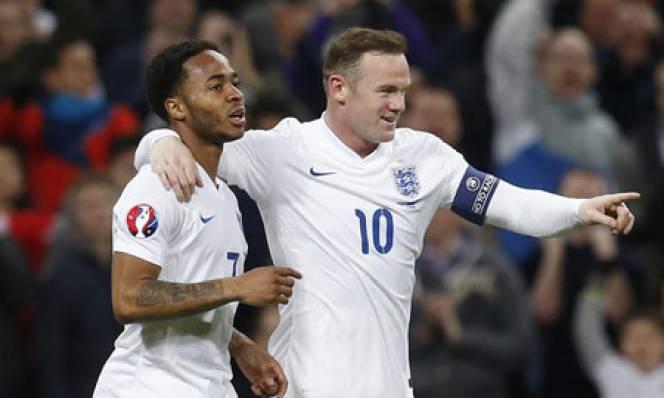 Đá dở, Sterling vẫn được Hodgson tin dùng