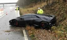 Bi hài chuyện sao Leicester khoe siêu xe dù gặp tai nạn