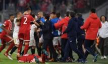 Không thể ghi bàn, Bayern và Sevilla 'chơi hiệp phụ' bằng 'võ'