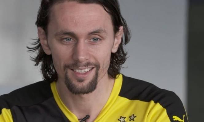 Subotic chính thức rời Dortmund