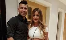 Aguero chửi bạn gái ở lễ mừng công của Man City?