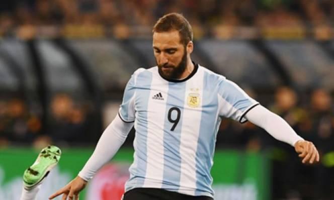 Higuain bị loại khỏi tuyển Argentina