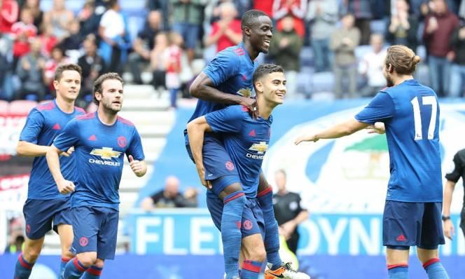 5 điểm nhấn sau ngày đầu xuất trận của Mourinho