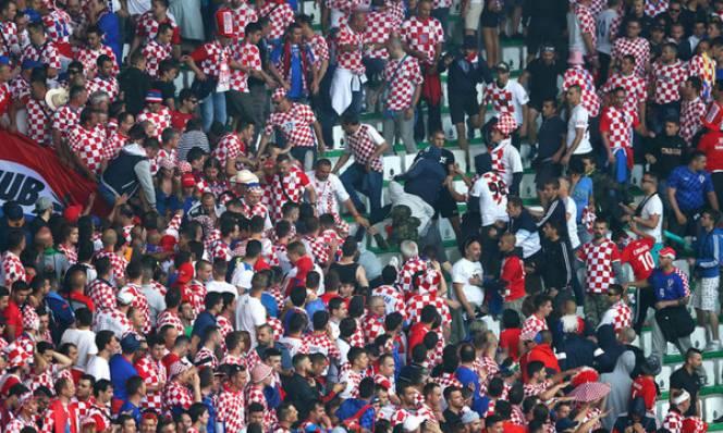 SỐC: Ultra Croatia quyết phá để đội nhà...bị loại