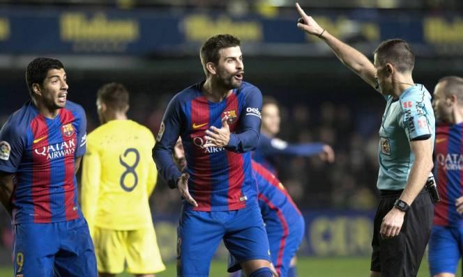 Sao Barca đứng trước nguy cơ 'ngồi chơi xơi nước' dài hạn