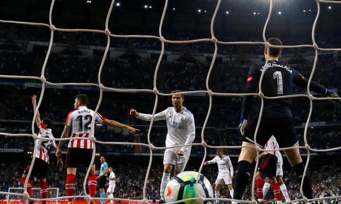 Ghi bàn giải cứu Real, Ronaldo bị gán mác Kane 2.0