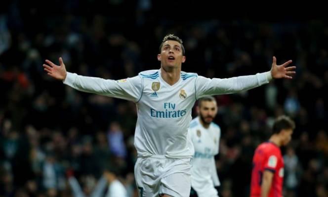 Lập cú đúp, Cristiano Ronaldo lại xác lập kỷ lục không tưởng