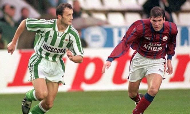 KHÓ TIN: Sir Alex từ chối cơ hội đưa Zidane về M.U