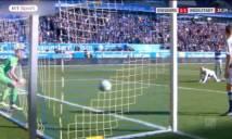 HÀI HƯỚC: Thủ môn để thủng lưới vì mải uống nước tại giải Đức