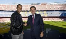 Rivaldo tươi rói trong ngày trở lại với Nou Camp