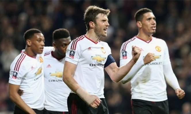 MU thiệt thòi tại chung kết cúp FA