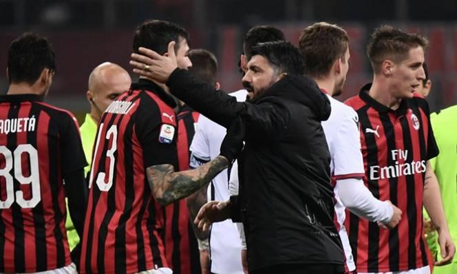 Vi phạm luật của UEFA, AC Milan xin rút khỏi Europa League