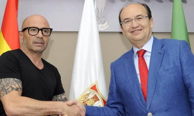 Sevilla có người thay thế HLV Unai Emery