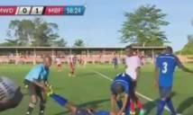Choáng! Cầu thủ đột tử ngay trên sân sau khi ghi bàn
