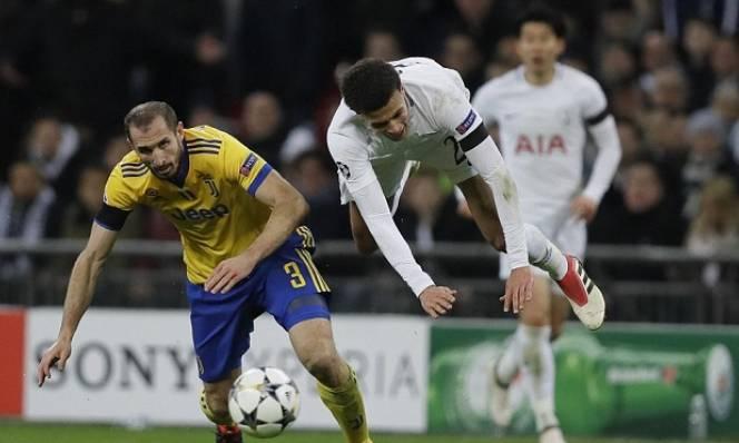 CĐV Arsenal lọt vào Wembley ăn mừng Juventus hạ Tottenham