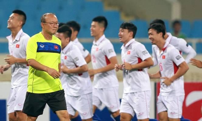 HLV Park Hang-seo sẽ xếp đội hình nào cho tuyển Việt Nam?