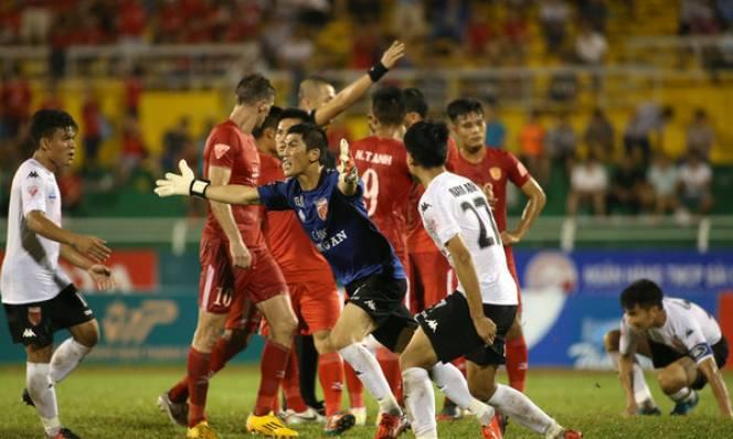 Vòng 7 V-League: Gượng dậy hay chìm sâu vào khủng hoảng?