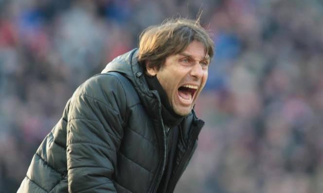 HLV Conte lại một lần nữa công kích BLĐ Chelsea